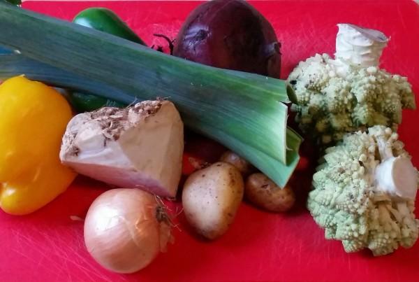 Rote-Bete-Curry mit Romanesco und Kichererbsen