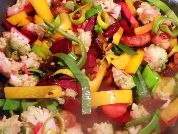 Rote-Bete-Curry mit Romanesco und Kichererbsen 5