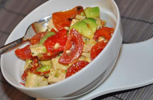 Acocado-Paprika-Tomaten-Salat (2)a