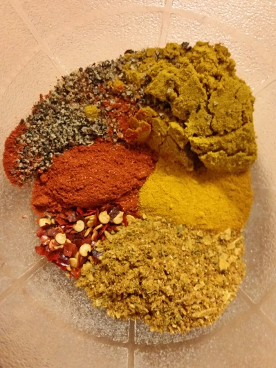 Kreuzkuemmel-Curry-Koriander-Chili-Paprika-Pfeffer